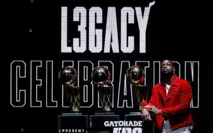 Wade, Miami ritira la maglia: il video di LeBron