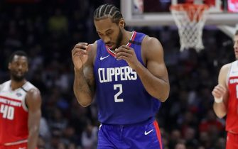 LOS ANGELES, CALIFORNIA - FEBRUARY 22: Kawhi Leonard #2 of the LA Clippers reacts during the third quarter in a game against the Sacramento Kings at Staples Center on February 22, 2020 in Los Angeles, California. NOTE TO USER: User expressly acknowledges and agrees that, by downloading and or using this Photograph, user is consenting to the terms and conditions of the Getty Images License Agreement. (Photo by Katelyn Mulcahy/Getty Images)