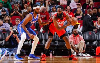 HOUSTON, TX - FEBRUARY 24:  James Harden #13 of the Houston Rockets posts up on Maurice Harkless #3 of the New York Knicks on February 24, 2020 at the Toyota Center in Houston, Texas. NOTE TO USER: User expressly acknowledges and agrees that, by downloading and or using this photograph, User is consenting to the terms and conditions of the Getty Images License Agreement. Mandatory Copyright Notice: Copyright 2020 NBAE (Photo by Cato Cataldo/NBAE via Getty Images)