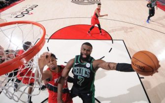 PORTLAND, OR - FEBRUARY 25: Jaylen Brown #7 of the Boston Celtics shoots the ball against the Portland Trail Blazers on February 25, 2020 at the Moda Center Arena in Portland, Oregon. NOTE TO USER: User expressly acknowledges and agrees that, by downloading and or using this photograph, user is consenting to the terms and conditions of the Getty Images License Agreement. Mandatory Copyright Notice: Copyright 2020 NBAE (Photo by Sam Forencich/NBAE via Getty Images)