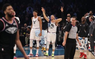CHARLOTTE, NC - FEBRUARY 17: Giannis Antetokounmpo #34, Stephen Curry #30, Kyle Lowry #7, and Kemba Walker #15 of Team Giannis smile during the 2019 NBA All-Star Game on February 17, 2019 at the Spectrum Center in Charlotte, North Carolina. NOTE TO USER: User expressly acknowledges and agrees that, by downloading and/or using this photograph, user is consenting to the terms and conditions of the Getty Images License Agreement. Mandatory Copyright Notice: Copyright 2019 NBAE (Photo by Issac Baldizon/NBAE via Getty Images)