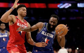 CHICAGO, ILLINOIS - FEBRUARY 16: James Harden #2 of Team LeBron dribbles the ball while being guarded by Giannis Antetokounmpo #24 of Team Giannis in the fourth quarter during the 69th NBA All-Star Game at the United Center on February 16, 2020 in Chicago, Illinois. NOTE TO USER: User expressly acknowledges and agrees that, by downloading and or using this photograph, User is consenting to the terms and conditions of the Getty Images License Agreement. (Photo by Jonathan Daniel/Getty Images)