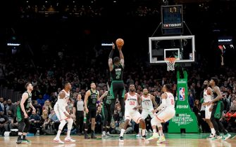 BOSTON, MA - FEBRUARY 29: Jaylen Brown #7 of the Boston Celtics hits a game tying three point basket at the buzzer during a game against the Houston Rockets on February 29, 2020 at the TD Garden in Boston, Massachusetts.  NOTE TO USER: User expressly acknowledges and agrees that, by downloading and or using this photograph, User is consenting to the terms and conditions of the Getty Images License Agreement. Mandatory Copyright Notice: Copyright 2020 NBAE  (Photo by Brian Babineau/NBAE via Getty Images)