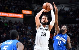 SAN ANTONIO, TX - FEBRUARY 29:  Marco Belinelli #18 of the San Antonio Spurs shoots the ball against the Orlando Magic on February 29, 2020 at the AT&T Center in San Antonio, Texas. NOTE TO USER: User expressly acknowledges and agrees that, by downloading and or using this photograph, user is consenting to the terms and conditions of the Getty Images License Agreement. Mandatory Copyright Notice: Copyright 2020 NBAE (Photos by Logan Riely/NBAE via Getty Images)