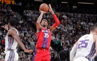 SACRAMENTO, CA - MARCH 1:  Christian Wood #35 of the Detroit Pistons shoots the ball against the Sacramento Kings on March 1, 2020 at Golden 1 Center in Sacramento, California. NOTE TO USER: User expressly acknowledges and agrees that, by downloading and or using this Photograph, user is consenting to the terms and conditions of the Getty Images License Agreement. Mandatory Copyright Notice: Copyright 2020 NBAE (Photo by Rocky Widner/NBAE via Getty Images)