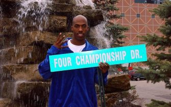 AUBURN HILLS, MI - OCTOBER 21: Chauncey Billups #1 of the Detroit Pistons displays the new 'Four Championship Dr.' address sign as part of the Detroit Pistons Read to Achieve kick-off event celebrating U.S. History October 21, 2004 at the Palace of Auburn Hills in Auburn Hills, Michigan. NOTE TO USER: User expressly acknowledges and agrees that, by downloading and/or using this Photograph, user is consenting to the terms and conditions of the Getty Images License Agreement. Mandatory Copyright Notice: Copyright 2004 NBAE (Photo by Allen Einstein/NBAE via Getty Images)