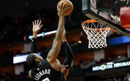 I Clippers travolgono Houston, Curry ko al rientro
