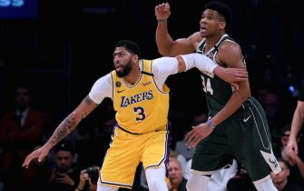 LOS ANGELES, CALIFORNIA - MARCH 06:  Anthony Davis #3 of the Los Angeles Lakers gets position on Giannis Antetokounmpo #34 of the Milwaukee Bucks during the third quarter at Staples Center on March 06, 2020 in Los Angeles, California.  NOTE TO USER: User expressly acknowledges and agrees that, by downloading and or using this photograph, User is consenting to the terms and conditions of the Getty Images License Agreement.  (Photo by Harry How/Getty Images)