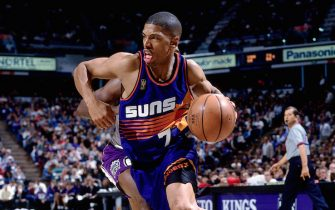 SACRAMENTO, CA - DECEMBER 6:  Kevin Johnson #7 of the Phoenix Suns drives to the basket against the Sacramento Kings on December 6, 1996 at Arco Arena in Sacramento, California .  NOTE TO USER: User expressly acknowledges and agrees that, by downloading and/or using this Photograph, user is consenting to the terms and conditions of the Getty Images License Agreement.  Mandatory Copyright Notice: Copyright 1996 NBAE (Photo by Andy Hayt/NBAE via Getty Images)