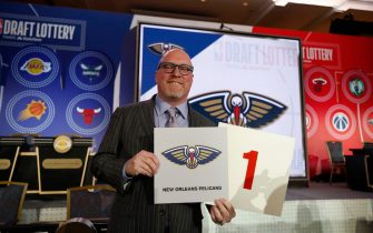 CHICAGO, IL - MAY 14: David Griffin of the New Orleans Pelicans holds the card for the number one overall pick at the 2019 NBA Draft Lottery on May 14, 2019 at the Chicago Hilton in Chicago, Illinois. NOTE TO USER: User expressly acknowledges and agrees that, by downloading and/or using this photograph, user is consenting to the terms and conditions of the Getty Images License Agreement. Mandatory Copyright Notice: Copyright 2019 NBAE (Photo by Jeff Haynes/NBAE via Getty Images)