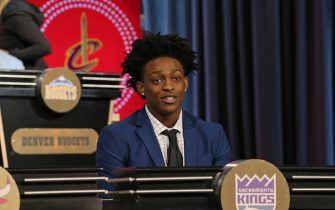 CHICAGO, IL - MAY 15:  De'Aaron Fox #5 of the Sacramento Kings represents the Sacramento Kings during the NBA Draft Lottery on May 15, 2018 at The Palmer House Hilton in Chicago, Illinois. NOTE TO USER: User expressly acknowledges and agrees that, by downloading and or using this Photograph, user is consenting to the terms and conditions of the Getty Images License Agreement. Mandatory Copyright Notice: Copyright 2018 NBAE (Photo by Gary Dineen/NBAE via Getty Images)