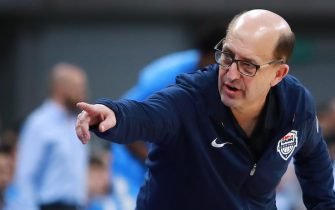 MONTEVIDEO, URUGUAY - DECEMBER 02: Head coach Jeff Van Gundy of USA gestures during a match between Uruguay and USA as part of Group E of FIBA Americas Qualifiers for China 2019 FIBA World Cup at Antel Arena on December 2, 2018 in Montevideo, Uruguay. NOTE TO USER: User expressly acknowledges and agrees that, by downloading and or using this photograph, user is consenting to the terms and conditions of Getty Images License Agreement. Mandatory Copyright Notice: Copyright 2018 NBAE. (Photo by Getty Images/NBAE via Getty Images)
