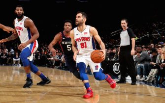 NEW YORK, NY - FEBRUARY 5: Jose Calderon #81 of the Detroit Pistons handles the ball against the New York Knicks on February 5, 2019 at Madison Square Garden in New York City, New York.  NOTE TO USER: User expressly acknowledges and agrees that, by downloading and or using this photograph, User is consenting to the terms and conditions of the Getty Images License Agreement. Mandatory Copyright Notice: Copyright 2019 NBAE  (Photo by Nathaniel S. Butler/NBAE via Getty Images)