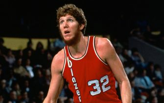 BOSTON, MA - 1978: Bill Walton #32 of the Portland Trail Blazers looks on during the game against the Boston Celtics circa 1978 at the Boston Garden in Boston, Massachusetts. NOTE TO USER: User expressly acknowledges and agrees that, by downloading and/or using this photograph, user is consenting to the terms and conditions of the Getty Images License Agreement. Mandatory Copyright Notice: Copyright 1978 NBAE (Photo by Dick Raphael/NBAE via Getty Images)