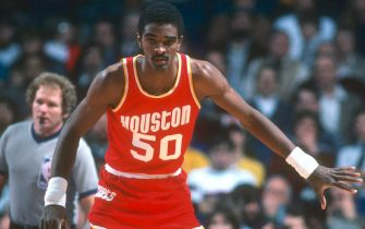 LANDOVER, MD - CIRCA 1984: Ralph Sampson #50 of the Houston Rockets in action against the Washington Bullets during an NBA basketball game circa 1984 at the Capital Centre in Landover, Maryland. Sampson played for the Rockets from 1983-87. (Photo by Focus on Sport/Getty Images) *** Local Caption *** Ralph Sampson
