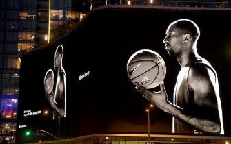 LOS ANGELES, CALIFORNIA - JANUARY 29:  Kobe Bryant tribute on the side of a building in downtown Los Angeles before the game between the Tampa Bay Lightning and the Los Angeles Kings at Staples Center on January 29, 2020 in Los Angeles, California. (Photo by Harry How/Getty Images)