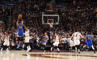 CLEVELAND, OH - JUNE 7:  Kevin Durant #35 of the Golden State Warriors shoots the go ahead three pointer in the fourth quarter against LeBron James #23 of the Cleveland Cavaliers in Game Three of the 2017 NBA Finals on June 7, 2017 at Quicken Loans Arena in Cleveland, Ohio. NOTE TO USER: User expressly acknowledges and agrees that, by downloading and/or using this photograph, user is consenting to the terms and conditions of Getty Images License Agreement. Mandatory Copyright Notice: Copyright 2017 NBAE (Photo by Andrew D. Bernstein/NBAE via Getty Images)