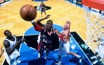 ORLANDO, FL - 2000: Hakeem Olajuwon #34 of the Houston Rockets circa 2000 at the Orlando Arena in Orlando, Florida. NOTE TO USER: User expressly acknowledges and agrees that, by downloading and or using this photograph, User is consenting to the terms and conditions of the Getty Images 2000 NBAE (Photo by Fernando Medina/NBAE via Getty Images)