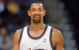 28 Nov 2000:  Juwan Howard #5 of the Washington Wizards looks questionably about a call during the game against the Atlanta Hawks at the MCI Center in Washington, D.C. The Hawks defeated the Wizards 102-75.    NOTE TO USER: It is expressly understood that the only rights Allsport are offering to license in this Photograph are one-time, non-exclusive editorial rights. No advertising or commercial uses of any kind may be made of Allsport photos. User acknowledges that it is aware that Allsport is an editorial sports agency and that NO RELEASES OF ANY TYPE ARE OBTAINED from the subjects contained in the photographs.Mandatory Credit: Doug Pensinger  /Allsport