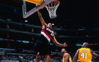 LOS ANGELES, CA - DEC 12:  Rasheed Wallace #30 of the Portland Trail Blazers dunks the ball against the Los Angeles Lakers on December 12, 2000 at Staples Center in Los Angeles, CA. NOTE TO USER: User expressly acknowledges and agrees that, by downloading and/or using this photograph, user is consenting to the terms and conditions of the Getty Images License Agreement. Mandatory Copyright Notice: Copyright 2000 NBAE (Photo by Robert Mora/NBAE via Getty Images)