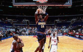 LOS ANGELES, CA - JAN 10:  Antonio McDyess #24 of the Denver Nuggets dunks the ball against the Los Angeles Clippers on January 10, 2001 at Staples Center in Los Angeles, CA. NOTE TO USER: User expressly acknowledges and agrees that, by downloading and/or using this photograph, user is consenting to the terms and conditions of the Getty Images License Agreement. Mandatory Copyright Notice: Copyright 2001 NBAE (Photo by Robert Mora/NBAE via Getty Images)