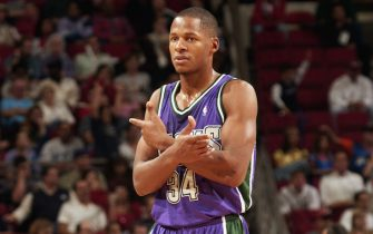 ORLANDO, FL - DECEMBER 23:  Ray Allen #34 of the Milwaukee Bucks on the court during the NBA game against the Orlando Magic at TD Waterhouse Centre on December 23, 2002 in Orlando, Florida.  The Bucks won 108-103.  NOTE TO USER:  User expressly acknowledges and agrees that, by downloading and or using this Photograph, User is consenting to the terms and conditions of the Getty Images License Agreement.  Mandatory Copyright Notice:  Copyright 2002 NBAE  (Photo by Fernando Medina/NBAE via Getty Images)