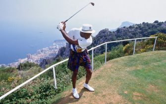BARCELONA, SPAIN - 1992: Michael Jordan #9 of the U.S. Mens Olympic Basketball Team plays golf circa 1992 during the 1992 Summer Olympics in Barcelona, Spain. NOTE TO USER: User expressly acknowledges and agrees that, by downloading and/or using this photograph, user is consenting to the terms and conditions of the Getty Images License Agreement.  Mandatory Copyright Notice: Copyright 1992 NBAE (Photo by Andrew D. Bernstein/NBAE via Getty Images)