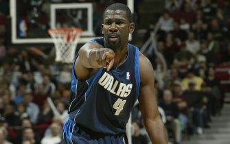 MINNEAPOLIS - MARCH 3:  Michael Finley #4 of the Dallas Mavericks points out a position against the Minnesota Timberwolves on March 3, 2004 at Target Center in Minneapolis, Minnesota.  NOTICE TO USER:  User expressly acknowledges and agrees that, by downloading and/or using this Photograph, user is consenting to the terms and conditions of the Getty Images License Agreement.  (Photo By David Sherman/NBAE via Getty Images)
