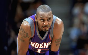 SACRAMENTO, CA - DECEMBER 14:  Anfernee Hardaway #1 of the Phoenix Suns looks on during the NBA game against the Sacramento Kings at Arco Arena on December 14, 2003 in Sacramento, California.  The Kings won 107-102.  NOTE TO USER:  User expressly acknowledges and agrees that, by downloading and/or using this Photograph, User is consenting to the terms and conditions of the Getty Images License Agreement.  (Photo by Rocky Widner/NBAE via Getty Images)