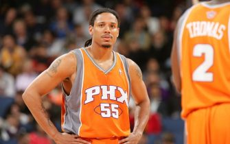 OAKLAND, CA - APRIL 14: Brian Grant #55 of the Phoenix Suns gets ready to take on the Golden State Warriors on April 14, 2006 at the Arena in Oakland, California. NOTE TO USER: User expressly acknowledges and agrees that, by downloading and/or using this Photograph, user is consenting to the terms and conditions of the Getty Images License Agreement. Mandatory Copyright Notice: Copyright 2006 NBAE (Photo by Rocky Widner/NBAE via Getty Images)