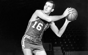CINCINNATI, OH - 1969:  Jerry Lucas #16 of the Cincinnati Royals poses for a portrait in 1969 in Cincinnati, Ohio. NOTE TO USER: User expressly acknowledges and agrees that, by downloading and or using this photograph, User is consenting to the terms and conditions of the Getty Images License Agreement. Mandatory Copyright Notice: Copyright 1969 NBAE (Photo by NBA Photos/NBAE via Getty Images)
