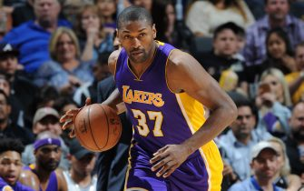 SAN ANTONIO, TX - APRIL 5: Metta World Peace #37 of the Los Angeles Lakers handles the ball against the San Antonio Spurs on April 5, 2017 at the AT&T Center in San Antonio, Texas. NOTE TO USER: User expressly acknowledges and agrees that, by downloading and or using this photograph, user is consenting to the terms and conditions of the Getty Images License Agreement. Mandatory Copyright Notice: Copyright 2017 NBAE (Photos by Mark Sobhani/NBAE via Getty Images)