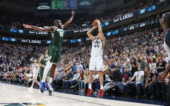 SALT LAKE CITY, UT - NOVEMBER 8: Bojan Bogdanovic #44 of the Utah Jazz shoots a three-pointer to win the game against the Milwaukee Bucks on November 8, 2019 at Vivint Smart Home Arena in Salt Lake City, Utah. NOTE TO USER: User expressly acknowledges and agrees that, by downloading and/or using this Photograph, user is consenting to the terms and conditions of the Getty Images License Agreement. Mandatory Copyright Notice: Copyright 2019 NBAE (Photo by Melissa Majchrzak/NBAE via Getty Images)
