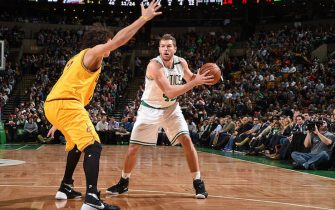BOSTON, MA - DECEMBER 15: David Lee #42 of the Boston Celtics defends the ball against the Cleveland Cavaliers during the game on December 15, 2015 at TD Garden in Boston, Massachusetts. NOTE TO USER: User expressly acknowledges and agrees that, by downloading and or using this Photograph, user is consenting to the terms and conditions of the Getty Images License Agreement. Mandatory Copyright Notice: Copyright 2015 NBAE (Photo by Brian Babineau/NBAE via Getty Images)