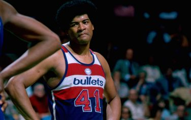 BOSTON, MA - 1976: Wes Unseld #41 of the Washington Bullets stands against the Boston Celtics during a game played circa 1976 at the Boston Garden in Boston, Massachussets. NOTE TO USER: User expressly acknowledges and agrees that, by downloading and or using this photograph, User is consenting to the terms and conditions of the Getty Images License Agreement. Mandatory Copyright Notice: Copyright 1976 NBAE (Photo by Dick Raphael/NBAE via Getty Images)
