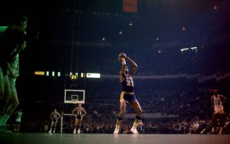 BOSTON, MA - 1967:  Elgin Baylor #22 of the Los Angeles Lakers shoots a foul shot against the Boston Celtics at the Boston Garden in Boston, Massachusetts circa 1967. NOTE TO USER: User expressly acknowledges and agrees that, by downloading and/or using this photograph, user is consenting to the terms and conditions of the Getty Images License Agreement. Mandatory Copyright Notice: Copyright 1967 NBAE (Photo by Walter Iooss Jr./NBAE via Getty Images)