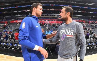 LOS ANGELES, CA - NOVEMBER 15:  Danilo Gallinari #8 of the LA Clippers and Marco Belinelli #18 of the San Antonio Spurs talk before a game at STAPLES Center on November 15, 2018 in Los Angeles, California. NOTE TO USER: User expressly acknowledges and agrees that, by downloading and/or using this Photograph, user is consenting to the terms and conditions of the Getty Images License Agreement. Mandatory Copyright Notice: Copyright 2018 NBAE (Photo by Andrew D. Bernstein/NBAE via Getty Images)