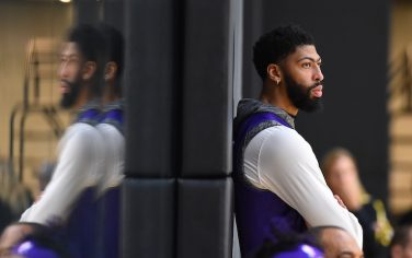 EL SEGUNDO, CA - DECEMBER 21: Anthony Davis #3 of the Los Angeles Lakers looks on during all access practice on December 21, 2019 at UCLA Health Training Center in El Segundo, California. NOTE TO USER: User expressly acknowledges and agrees that, by downloading and/or using this Photograph, user is consenting to the terms and conditions of the Getty Images License Agreement. Mandatory Copyright Notice: Copyright 2019 NBAE (Photo by Andrew D. Bernstein/NBAE via Getty Images)