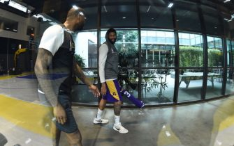 EL SEGUNDO, CA - DECEMBER 21: Anthony Davis #3 of the Los Angeles Lakers smiles during all access practice on December 21, 2019 at UCLA Health Training Center in El Segundo, California. NOTE TO USER: User expressly acknowledges and agrees that, by downloading and/or using this Photograph, user is consenting to the terms and conditions of the Getty Images License Agreement. Mandatory Copyright Notice: Copyright 2019 NBAE (Photo by Andrew D. Bernstein/NBAE via Getty Images)