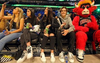 CHICAGO, IL - FEBRUARY 15: Tik Tok Stars, Charli D'Amelio, Addison Rae Easterling, Dixie D'Amelio, and Chase Hudson pose for a photo during NBA All-Star Saturday Night Presented by State Farm as part of 2020 NBA All-Star Weekend on February 15, 2020 at United Center in Chicago, Illinois. NOTE TO USER: User expressly acknowledges and agrees that, by downloading and/or using this Photograph, user is consenting to the terms and conditions of the Getty Images License Agreement. Mandatory Copyright Notice: Copyright 2020 NBAE (Photo by Layne Murdoch Jr./NBAE via Getty Images)