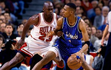 CHICAGO - MAY 18:  Anfernee Hardaway #1 of the Orlando Magic moves the ball against Michael Jordan #23 of the Chicago Bulls in Game Six of the Eastern Conference Semifinals during the 1995 NBA Playoffs at the United Center on May 18, 1995 in Chicago, Illinois. The Orlando Magic defeated the Chicago Bulls 108-102 and won the series 4-2. NOTE TO USER: User expressly acknowledges and agrees that, by downloading and or using this photograph, User is consenting to the terms and conditions of the Getty Images License Agreement. Mandatory Copyright Notice: Copyright 1995 NBAE (Photo by Andrew D. Bernstein/NBAE via Getty Images)