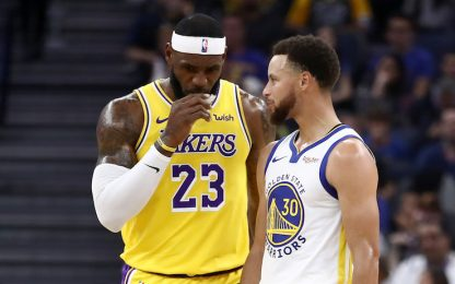 "LeBron non ha dubbi: ""Steph Curry MVP del 2020-21"""