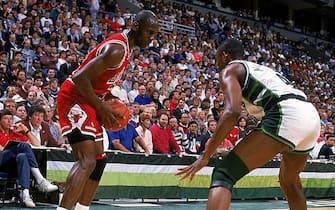 1989:  Michael Jordan #23 of the Chicago Bulls with the ball during the game against the Milwaukee Bucks.   Mandatory Credit: Jonathan Daniel  /Allsport