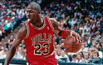 SACRAMENTO, CA - NOVEMBER 14: Michael Jordan #23 of the Chicago Bulls dribbles against the Sacramento Kings during a game played on November 14, 1989 at the Arco Arena in Sacramento, California. NOTE TO USER: User expressly acknowledges and agrees that, by downloading and or using this photograph, User is consenting to the terms and conditions of the Getty Images License Agreement. Mandatory Copyright Notice: Copyright 1989 NBAE (Photo by Rocky Widner/NBAE via Getty Images)