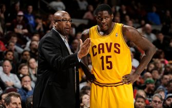 CLEVELAND, OH - DECEMBER 29:  Head coach Mike Brown of the Cleveland Cavaliers provides instruction to Anthony Bennett #15 during a break in the action against the Golden State Warriors at The Quicken Loans Arena on December 29, 2013 in Cleveland, Ohio. NOTE TO USER: User expressly acknowledges and agrees that, by downloading and/or using this Photograph, user is consenting to the terms and conditions of the Getty Images License Agreement. Mandatory Copyright Notice: Copyright 2013 NBAE (Photo by David Liam Kyle/NBAE via Getty Images)