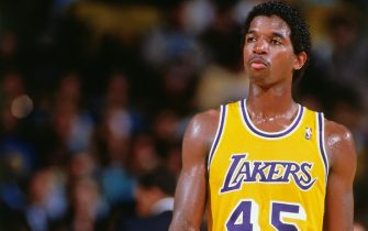 LOS ANGELES, CA - 1988: A.C. Green #45 of the Los Angeles Lakers looks on during a game circa 1988 at The Forum in Los Angeles, California. NOTE TO USER: User expressly acknowledges and agrees that, by downloading and/or using this Photograph, user is consenting to the terms and conditions of the Getty Images License Agreement. Mandatory Copyright Notice: Copyright 1988 NBAE (Photo by Andrew D. Bernstein/NBAE via Getty Images)