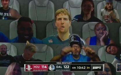 Super Rockets-Mavs, si diverte anche Dirk. FOTO