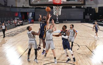 ORLANDO, FL - AUGUST 9: Zion Williamson #1 of the New Orleans Pelicans drives to the basket against the San Antonio Spurs on August 9, 2020 in Orlando, Florida at The Field House. NOTE TO USER: User expressly acknowledges and agrees that, by downloading and/or using this photograph, user is consenting to the terms and conditions of the Getty Images License Agreement. Mandatory Copyright Notice: Copyright 2020 NBAE (Photo by David Dow/NBAE via Getty Images)