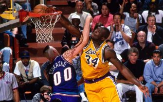 INGLEWOOD, CA - MAY 22: Shaquille O'Neal #34 of the Los Angeles Lakers dunks against the Utah Jazz in Game Three of the Western Conference Semifinals as part of the 1998 NBA Playoffs, played on May 22, 1998 at the Great Western Forum in Inglewood, California. NOTE TO USER: User expressly acknowledges and agrees that, by downloading and or using this photograph, User is consenting to the terms and conditions of the Getty Images License Agreement. Mandatory Copyright Notice: Copyright 1998 NBAE (Photo by Andrew D. Bernstein/NBAE via Getty Images)