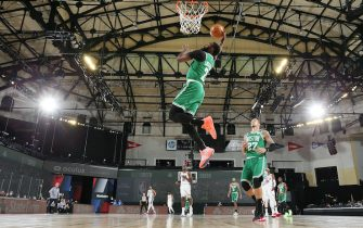 ORLANDO, FL - AUGUST 19: Jaylen Brown #7 of the Boston Celtics goes up for a dunk against the Philadelphia 76ers during Round One, Game 2 of the NBA Playoffs on August 19, 2020 at The Field House at ESPN Wide World of Sports in Orlando, Florida. NOTE TO USER: User expressly acknowledges and agrees that, by downloading and/or using this Photograph, user is consenting to the terms and conditions of the Getty Images License Agreement. Mandatory Copyright Notice: Copyright 2020 NBAE (Photo by David Sherman/NBAE via Getty Images)